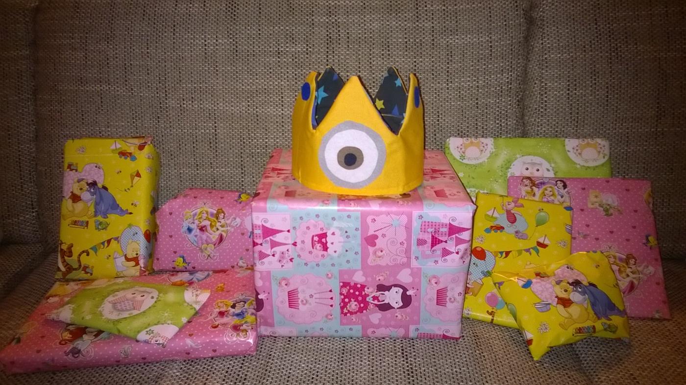 BIrthday Geburtstag Geschenke Krone Minions
