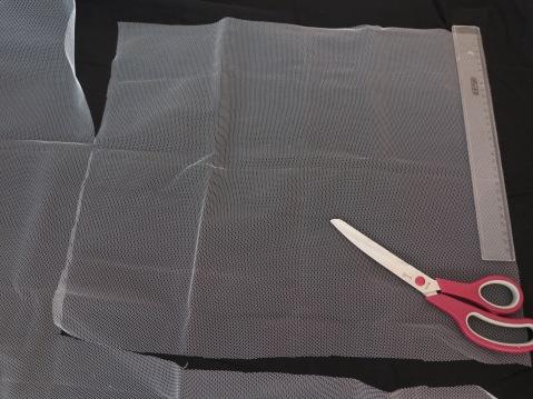 Faschingskostüm DIY Stoff zuschneiden